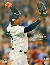 New York Yankees Aroldis Chapman Signed 8 x 10 Photo Autographed - Beckett BAS