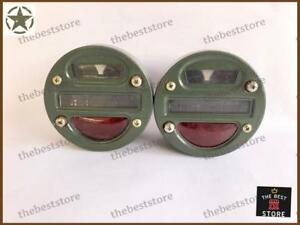 A PAIR OF MILITARY CAT EYE REAR TAIL LIGHT L/H R/H SIDE FOR WILLYS JEEP TRUCKS