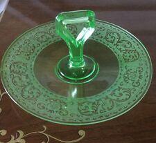 GREEN URANIUM DEPRESSION GLASS ROUND CAKE SANDWICH OR DESSERT PLATE WITH HANDLE