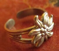 sz 9 GROOVY Vtg 70s ADUSTABLE SUNFLOWER HIPPIE WOMENS RING silvertone