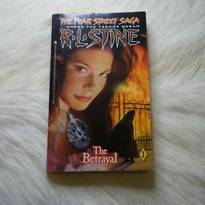 R.L. Stine The Betrayal FEAR STREET SAGA 11993 TV Media Tie-In Bone Chiller