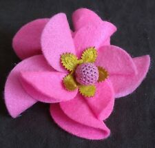 LARGE BRIGHT PINK FELT FLORAL STATEMENT BROOCH CORSAGE - HAND MADE - NEW