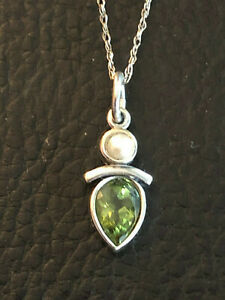 """Sterling Silver Necklace Peridot Pearl Goddess Design SAW 18.6"""" 1.8g 925 #1358"""