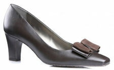 Leather Court Standard Width (D) Heels for Women
