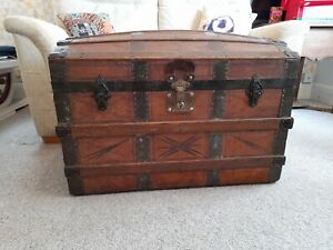 QAULITY ANTIQUE TAN LEATHER COVERD WOODEN DOMED TOP TRUNK STORAGE CHEST BOOT BOX
