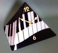 Pryamid Music Keyboard Desk Clock