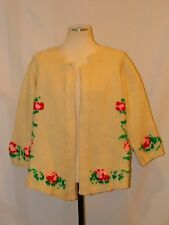 Adorable! VTG 60s HANDKNIT PINK & RED ROSE FLORAL cream wool CARDIGAN SWEATER M