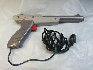 Nintendo NES-005 Gray OEM LIGHT GUN ZAPPER