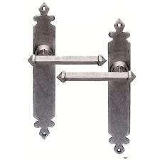 Tudor Stile Ferro Battuto MANIGLIE nessun buco della serratura in una finitura peltro, antiruggine