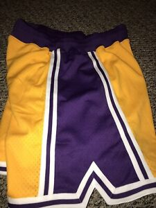 Los Angeles Lakers HWC 96-97 Mitchell & Ness Authentic Shorts 48 XL