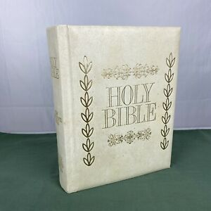 Holy Bible New Reference Deluxe Division Edition Genealogy Family Tree EUC