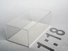 Teca in plexiglass Scala 1:18 fondo bianco