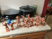12 Louis Marx & Co Inc IndiaCave Man & Pioneer Man Toy Figures Plastic 6""
