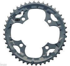 Plateaux de vélo gris