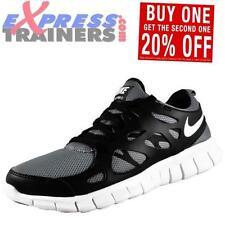 Chaussures gris Nike pour garçon de 2 à 16 ans
