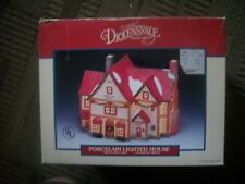 CHRISTMAS VILLAGE DICKENSVALE COLLECTABLE HOUSE- LIGHTED HOUSE -CHRISTMAS SHOPPE