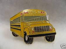 SCHOOL BUS  (OLD YELLOW BUS)   LAPEL PIN NEW !!!!!
