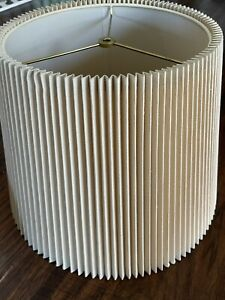 """VTG FREDERICK COOPER X- Large PLEATED ACCORDION LAMP SHADE 18"""" X 12 3/4"""" Nice!"""