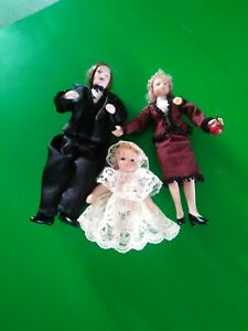 Victorian Dolls House Jointed 1/12 Scale Family Figures x 3 Wedding/Christening