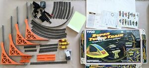 Vintage TYCO Super Turbo Train Nite Glow COMPLETE Slot Train Car Set 1987 WORKS