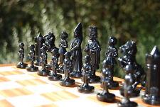 Schachfiguren realistisch und traumhaft schön, Bakelit, KH 95 mm, ca. 1960