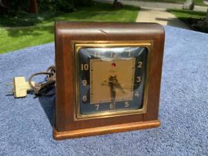 Antique Telechron Mahogany 40's Electric Pyramid Desk Shelf Clock Bronze Trim