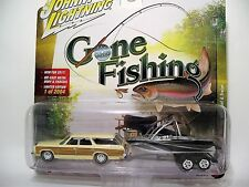 JOHNNY LIGHTNING 1/64 GONE FISHING 2A 1973 CHEVY CAPRICE WITH BOAT AND TRAILER