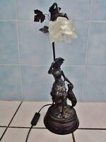 ancienne lampe de bureau-jeune fille et agneau-style art nouveau en métal