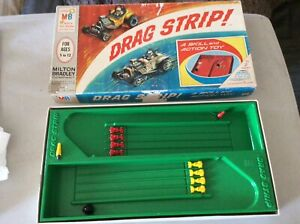 Drag Strip! MB Milton Bradley 1965 Vintage NHRA Racing Family Board Game 4542