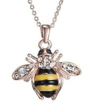 Collier pendentif abeille noir et jaune, acier rosé.