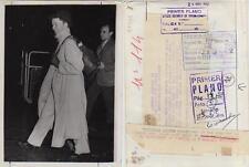 Katharine Hepburn. Fotografía. La artista a su llegada al aeropuerto de Londres