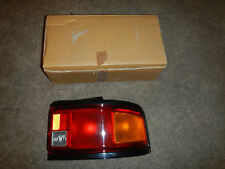 1990-1991 MAZDA PROTEGE LX 4WD DX SE RIGHT HAND REAR LENS AND BODY BR70-51-170A