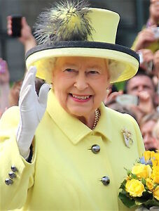 """NEW HM QUEEN ELIZABETH II A4 GLOSSY PHOTO PRINT NEW Royal Family 11.75"""" X 8.25"""""""