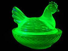 Green Vaseline glass hen chicken on nest basket candy dish Uranium farm egg neon