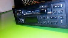 1987 VOLVO 240 CASSETTEE RADIO PLAYER MODEL NO. 8811  oem / 8Y280147A/