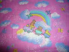 Baumwollstoff kleine Teddy und Entchen auf Regenbogen pink grundig  Meterware