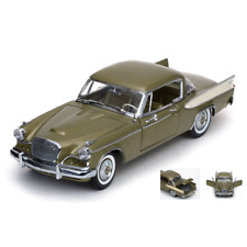 STUDEBAKER GOLDEN HAWK 1957 TIARA GOLD 1:18 SunStar Auto Stradali Die Cast