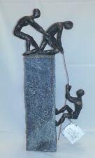 """Poly-Skulptur: 3 Kletterer """"Assistance"""""""