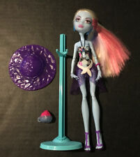 Monster High Abbey Bominable Skull Shores (2011) Doll with Accessories (B10)
