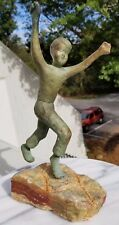 VINTAGE 1950S 60S MODERN BRONZE TRIUMPHANT PLAYING BOY SCULPTURE ON STONE BASE