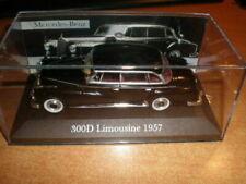 Limousines miniatures noirs pour Mercedes