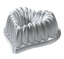 New Decorative Heart Shape Bundt Bakeware Pan Nonstick Baking Cakes Nonstick