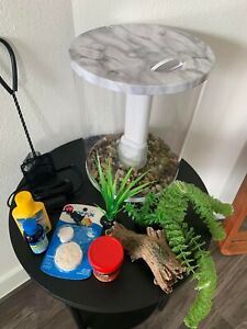 3 Gallon Aquarium / Fish Tank with Accessories