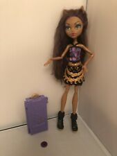 Clawdeen Wolf monster high doll | Scaris - Wrong Shoes