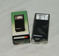 ZYKKOR ULTRA COMPACT 200 Electronic Flash T 5083 19685 in Box