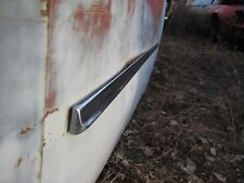 54 CHRYSLER NEWPORT WINDSOR DELUXE DRIVER LH DOOR CHROME TRIM MOLDING SPEAR