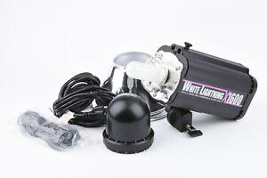 "MINT- BOXED WHITE LIGHTNING X1600 FLASH w/7"" REFLECTOR, CASE, GOOD BULBS, SYNC++"
