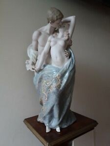 scultura porcellana Lladrò - Amanti