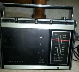 Vintage Panasonic RF-759 Portable AM/FM 2-Band Radio WORKS