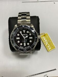 New  Invicta Men's 20119 Pro Diver Analog Display Swiss Quartz Silver Watch